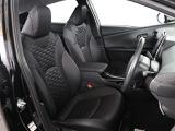 シンプルながら座り心地の良いシートです。 ホールド感も良いので長いドライビングでも疲れにくいんです。