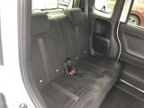 セカンドシートもしっとり肉厚で乗り心地はバッチリですよ! 後部座席でも快適なドライブがお楽しみいただけると思います!