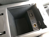 USB・AUX・電源ソケット付き!