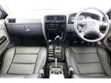 日産 ダットサンピックアップ 2.4 AX ダブルキャブ 4WD