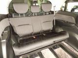 【3列目シート】3列目シートもゆったりとお座りいただける広さがあります!床下格納式ですので、お使いにならない時は荷室として活躍します!