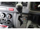 希望ナンバー・車両メンテナンス・ドライブレコーダー・自動車保険など車にまつわることは何でもご相談ください。