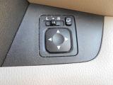 電動格納ドアミラーでサイドミラーの格納も便利になります!