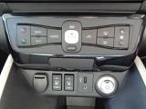 オートエアコンは、温度設定だけで風の強さや風量を調整してくれます。