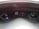 ★メーターは運転者から見てハンドルの上付近に見えるようになってます。視線移動が少なくなるので、走行時の安全性が高まる設計です♪