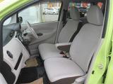 ドライバーの方と助手席の方が座るシートです。実際お座りいただくのが、分かりやすいと思います。お気軽にご来店ください!