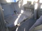 2列目シートのお写真です。乗り降りしやすく快適な空間となっております。
