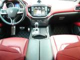 マセラティ ギブリ S Q4 4WD