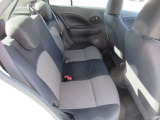後部座席も当然、綺麗・清潔に仕上げております。内装の綺麗なお車は気持ちが良いですし、コンディションのいい車が多いです。丁寧に使っていた証拠です。