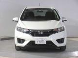 Hondaの新しいデザインアイデンティティーの「ソリッド・ウイング・フェイス」を具現化しました。Hondaの象徴「H」マークを中心に、フロントグリルからヘッドライトまでを1つのつながりとしてデザインしました。
