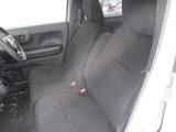 フロントシートも良好(シートヒーター機能付)