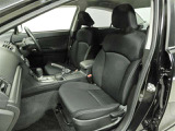 まるごとクリーニングでは前席を外してシート下まで徹底洗浄。消臭&除菌効果あり、更に清潔感がUP!運転席シートリフター装備!シートの上下調整で運転操作の視界を確保できます。