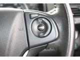 【クルーズコントロール】アクセルペダルを踏まずに一定の車速で走行できますので、高速道路など加減速の少ない道で便利です♪長距離ドライブの疲れを軽減してくれる、嬉しい装備ですよね♪