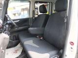 ◆8.助手席は足元も広く収納もたくさんあるので大変便利です!