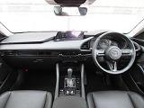 ドライバーが安心して運転できるよう、乗る人全員がMAZDA3を満喫できるように、MAZDAの安全技術が搭載されています。