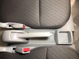 《パワーウインドウ》走行中に空気の入れ替えをするとき、運転席から後部座席や助手席のウインドウを上げ下げの調整ができるパワーウインドウ!