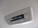 2列目、3列目シートでも冷暖房が使えるトリプルゾーンコントロール!