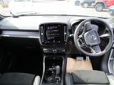 ボルボ XC40 T4 AWD Rデザイン 4WD