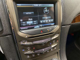 オーディオ・エアコン操作等のスイッチがシンプルに配置されています。