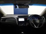オリックス認定中古車は全車鑑定書付き。株式会社AISの検査を全車両に実施し1台ごとに評価点のついた認定書の発行を行っております。