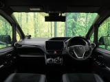 トヨタ エスクァイアハイブリッド 1.8 Gi プレミアムパッケージ ブラックテイラード