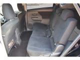 後部座席は足元も広くゆったりと乗車できます!