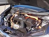 エンジンルーム・2000ccアトキンソンサイクルDOHC-iVTECエンジン&2モーター