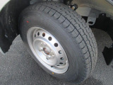 冬タイヤ付いています。こちらの車両の詳細は当店中古車スタッフへお願いいたします。