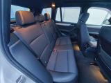 後部座席(運転席側)