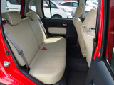 足元が広くゆったり座れるリヤーシートはとても快適です!