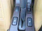 シートヒーターは寒い時期の快適ドライブの味方♪ シートが直接温かくなるから、すぐに熱が伝わって温まりますよ♪