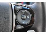 ブレーキやステアリングの制御技術と協調し、安心・快適な運転や事故回避を支援するHondaSENSING装備。