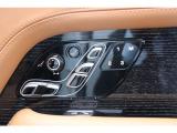 24ウェイ電動シートになっており、自分好みの快適なポジションを設定出来ます。