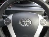 ◆ハンドルに設定されたスイッチで手元でオーディオ等の操作が出来ます視線を外すことなく運転に集中出来ます。
