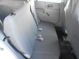 後席もしっかりとスペースを確保しているのでゆったりとご乗車できます♪
