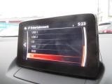 純正CDデッキ・DVDデッキ・ラジオ・インターネットラジオ・USB端子×2・AUXミニジャック・TVブルートゥース機能やオーディオ、電話、ナビゲーションの一部操作を音声認識で行うことができます!!