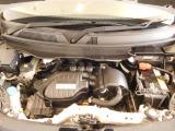エンジンルームの汚れも綺麗にクリーニング仕上げ。エンジンルームが綺麗であれば、不具合等の発見もし易く、コンディションのチェックや維持の面でもプラスとなります。