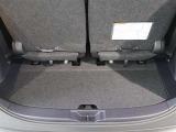 3列目シートを収納すれば大きな荷物もラクに積めます。