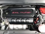 【エンジン】2.4Lタイガーシャークエンジンは重さを感じさせてない軽快な走行に加え、静粛性も高く皆様から好評を頂いております。