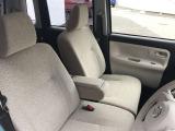 しっかりと厚みを持たせたシートは、ロングドライブでも疲れを感じさせません。シートの汚れやへたりもほとんどなく、大事に乗ってこられたのが分かる一台です☆