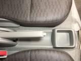 運転席横にも収納スペース!運転席周りをすっきり保てます!