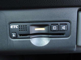 ETCが付いてます。ETC搭載車しか通過できないスマートICが利用できるようになりますよ!現在スマートICの設置箇所も増えてきているので、高速道路利用の幅が広がりますね☆