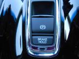 サイドブレーキは指先で簡単操作!また、BRAKEHOLD機能も搭載しているので、信号待ちなども楽になります!
