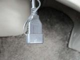 USBコネクターは色々使えるオプションです