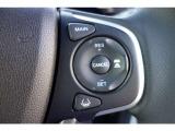 ホンダセンシング機能は、衝突軽減ブレーキ、誤発進抑制機能、歩行者事故低減ステアリング、路外逸脱抑制機能、追従機能付アダプティブ・クルーズコントロール、車線維持支援システム、先行車発進お知らせ、標識認識