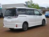 トヨタ ヴォクシー 2.0 ZS 煌II 4WD