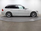 BMW ALPINA認定中古車という選択肢でも、ALPINAマジックを体験頂けます。