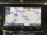 【トヨタ純正SDナビゲーション装備】純正品だから使いやすい!フルセグTV視聴可能で室内も快適♪地図データが古くなってきたら全国トヨタディーラーで更新(有料)も簡単にできます♪