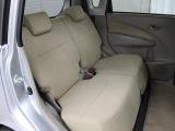 スライド可能なリヤシートは軽自動車とは思えない広さです。