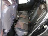 乗り降りしやすいフロントシート